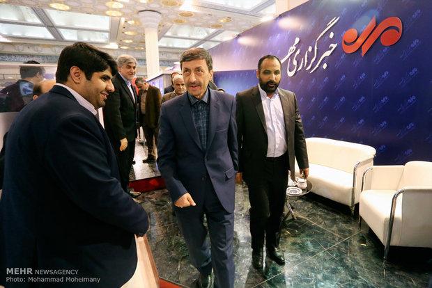 پرویز فتاح در غرفه مهر در چهارمین روز بیست و دومین نمایشگاه مطبوعات و خبرگزاریها-2