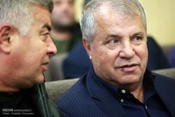 علی پروین: به قهرمانی تیم ملی امید دارم