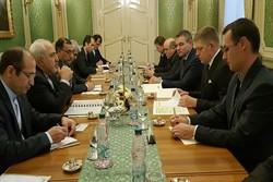 دیدار ظریف با نخست وزیر اسلواکی