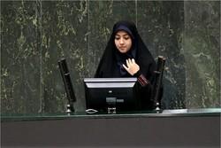 نماینده مبارکه به صورت مشروط از توضیحات وزیر علوم قانع شد