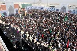 موج زودهنگام زائران اربعین به مهران رسید/ لزوم افزایش گیتهای عراقی