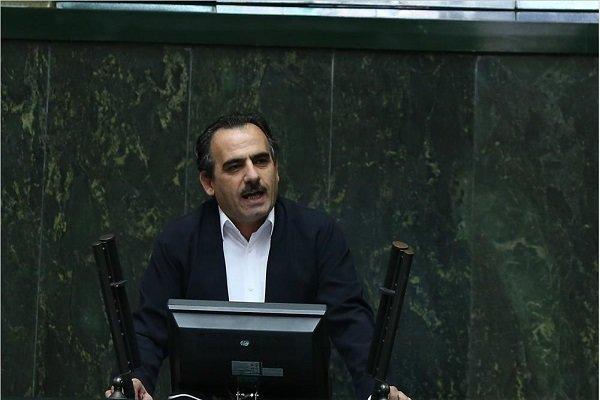۳۰۰صفحه تخلف استاندار آذربایجان غربی به روحانی ولاریجانی ارائه شد