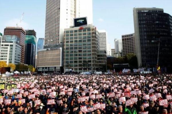 اعتراض در سئول