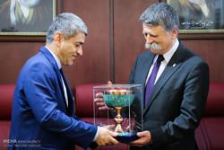 دیدار وزیر اقتصاد با رئیس مجلس مجارستان