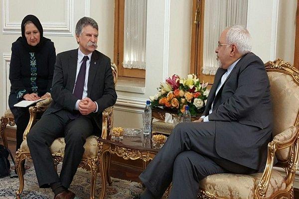 Zarif, Macaristan Meclis Başkanı'ı kabul etti