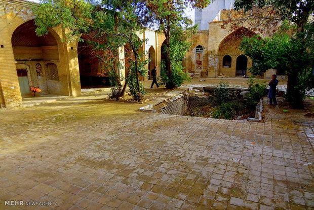 Hojjatieh historical religious school