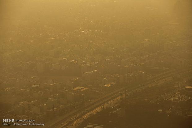 Tahran'da hava kirliliğinden okullar tatil