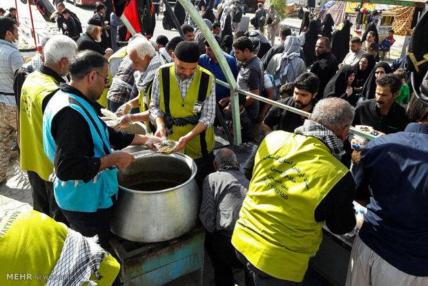 """موكب """"كلستان"""" في خدمة زوار الأربعين الحسيني"""