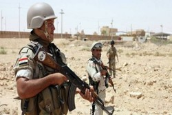 Iraqi army forces pause Mosul operation for civilian protection