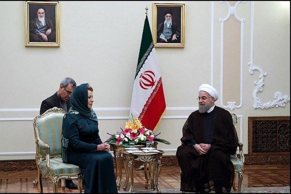 روحاني: طهران تعتزم تعزيز العلاقات مع موسكو في جميع المجالات