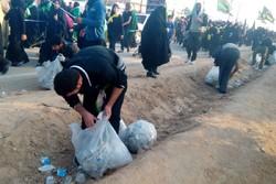 نظافت مسیر راهپیمایی اربعین به دست خادمان حسین (ع)
