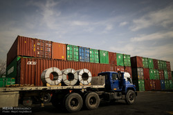 تولید صادرات محور در دستور کار فعالان صنعتی قرار گیرد