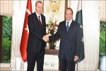 پاکستانی وزیر اعظم ترکی کے دورے پر روانہ