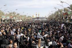 بالصور: إحياء ذكرى أربعينية الإمام الحسين (ع) في كربلاء