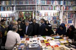 بازدید وزیر فرهنگ و ارشاد اسلامی ازکتاب فروشی ها