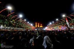 العتبة الحسينية: الملايين يؤدون مراسم زيارة الإمام الحسين في عرفة