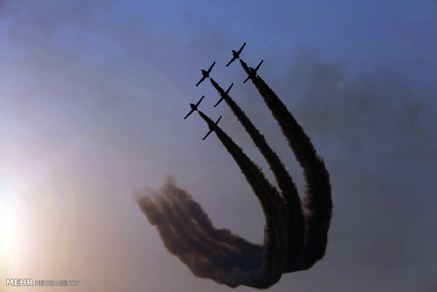 Iran's Intl. Air Show 2016 underway in Kish Island