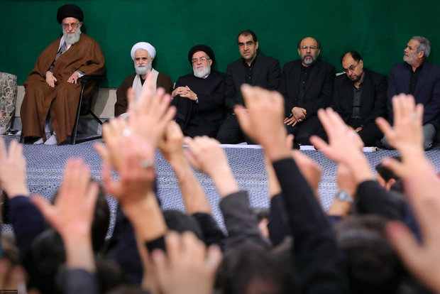 Students held Arbaeen mourning ceremony before Ayatollah Khamenei