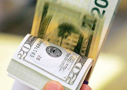 معاون سابق ارزی بانک مرکزی با بیان اینکه هر عددی که برای دلار در بودجه سال ۹۶ کل کشور تعیین شود، صرفا محاسباتی است، گفت: ذخایر ارزی کشور هماکنون وضعیت مطلوبی دارد