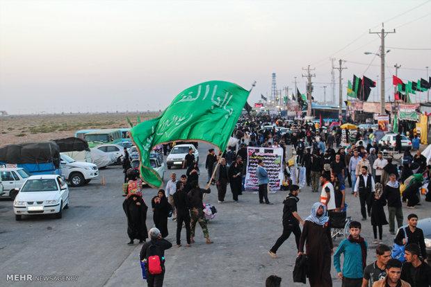 بازگشت زائران اربعین حسینی از کربلا در مرز چذابه