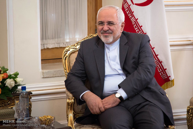 Three ambassadors submit credentials to Zarif