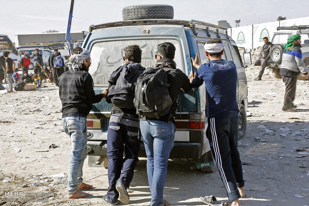 بازگشت زائران اربعین حسینی از کربلا  / راهپیمایی اربعین ۵۰