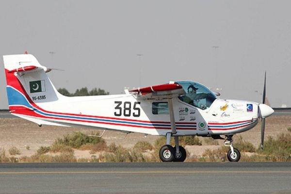 یک فروند هواپیمای آموزشی در فرودگاه گلبهار سقوط کرد