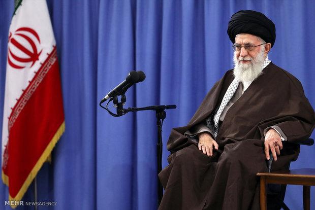 قائد الثورة: الوحدة هي الطريق لحل مشاكل المنطقة