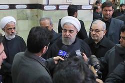 روحاني يشارك في تشييع آية الله موسوي اردبيلي