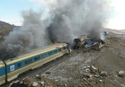 اجساد ۲۵ مسافر از واگن های سوخته خارج شد/۷۵ مصدوم در حادثه سمنان