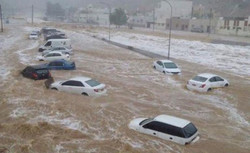 فيضانات وسيول في قطر نتيجة أمطار غزيرة