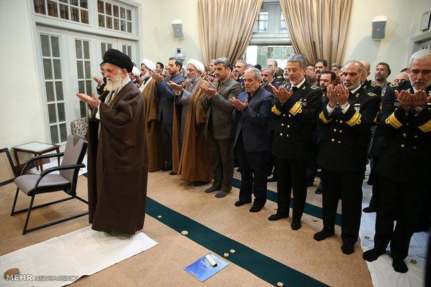 قائد الثورة الاسلامية يستقبل قادة القوة البحرية للجيش