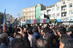 شهید مدافع حرم در ورامین تشییع شد
