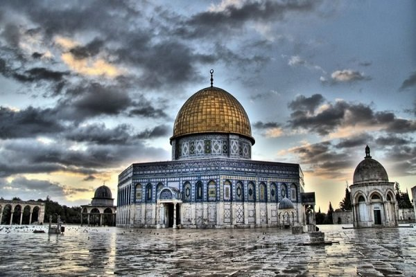 مفتي القدس يدعو الأمّة الإسلاميّة لتحمّل مسؤوليّاتها في حماية القدس