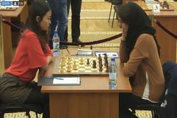 رئيس لجنة حكام الشطرنج يعرب عن تقديره للاعبة خادم الشريعة