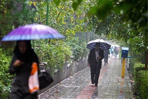 ادامه بارش ها در غرب/ سامانه بارشی شنبه از کشور خارج می شود