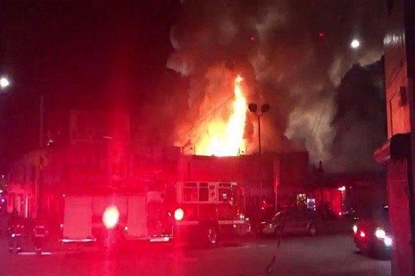 السلطات الامريكية تتوقع ارتفاع حصيلة الحريق في أوكلاند الى 40 قتيلا
