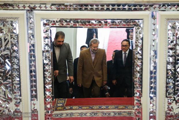لقاء رئيسي المجلسين الايراني والاندونيسي