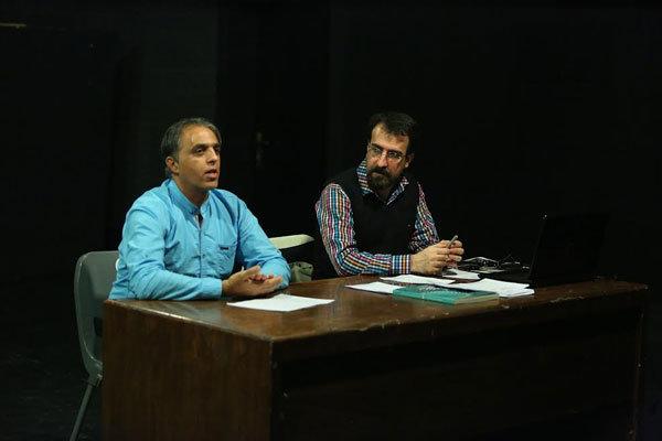 تلاش برای دیده شدن پوستر و هویت بصری در جشنواره تئاتر فجر
