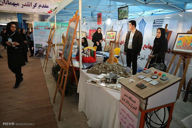 نمایشگاه استانی پژوهش و فناوری فن بازار در سنندج افتتاح شد