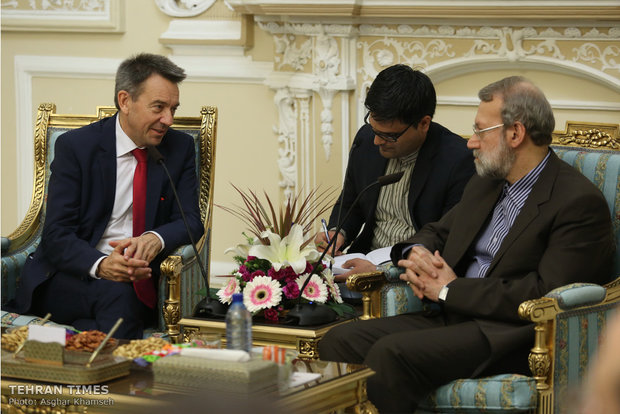 Larijani meets with ICRC president