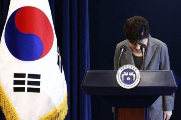 رئیس جمهور کره جنوبی برکنار شد