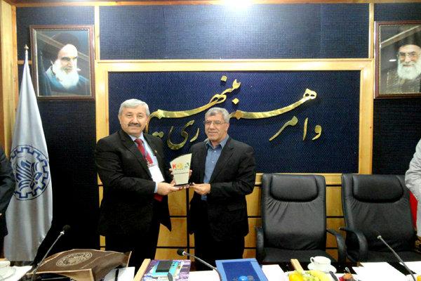 تعاون ثقافي بين إيران وإقليم كردستان العراق لترويج اللغة الفارسية