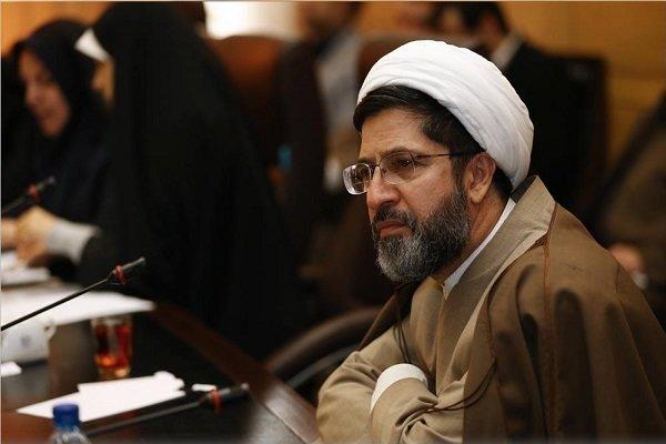 مجلس چرخش سیاست خارجی دولت را از روحانی سوال میکند