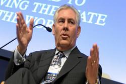 «تیلرسون» تمام روابط کاری خود با شرکت «اکسون موبیل» را قطع می کند