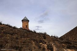 Çok eski yılları anımsatan bir kule