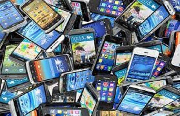 ۹۰ درصد گوشیهای بازار قاچاق است/سود ۳۵۰ میلیون دلاری قاچاقچیان