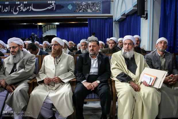 روحاني يستقبل وفداً من علماء أهل السنة