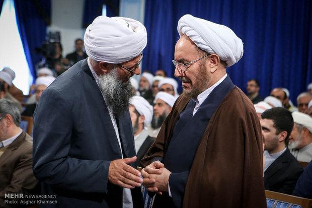 Rouhani meets Iran's Sunni clerics