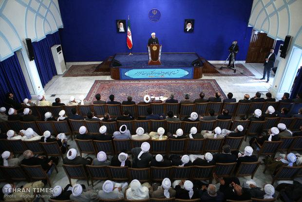 Iranian Sunni clerics meet President Rouhani